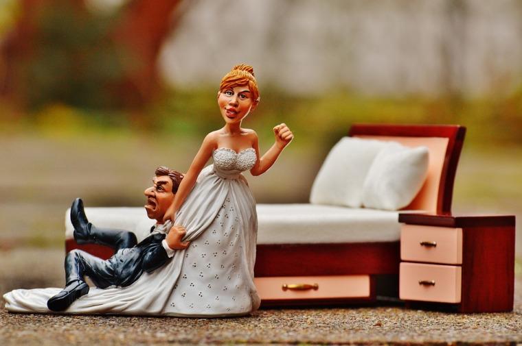 couple-de-maries-en-colere