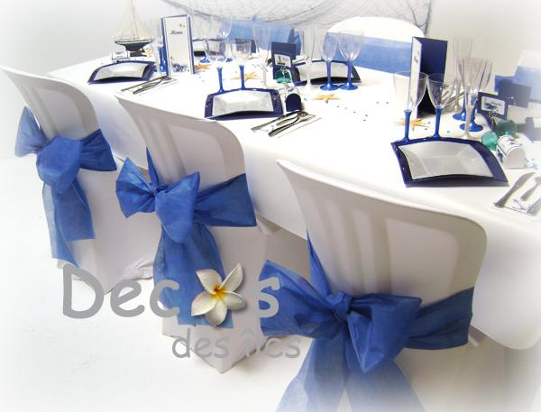 table-de-mariage-en-bleu-et-blanc-nacre