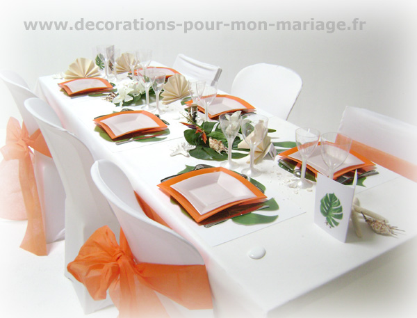deco-mariage-table-orange-blanc-avec-set-exotique-philo