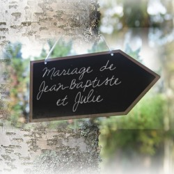 pancartes-fleche-en-bois-pour-mariage
