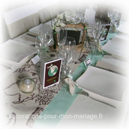 jolie d coration de table th me voyage d corations pour un mariage. Black Bedroom Furniture Sets. Home Design Ideas