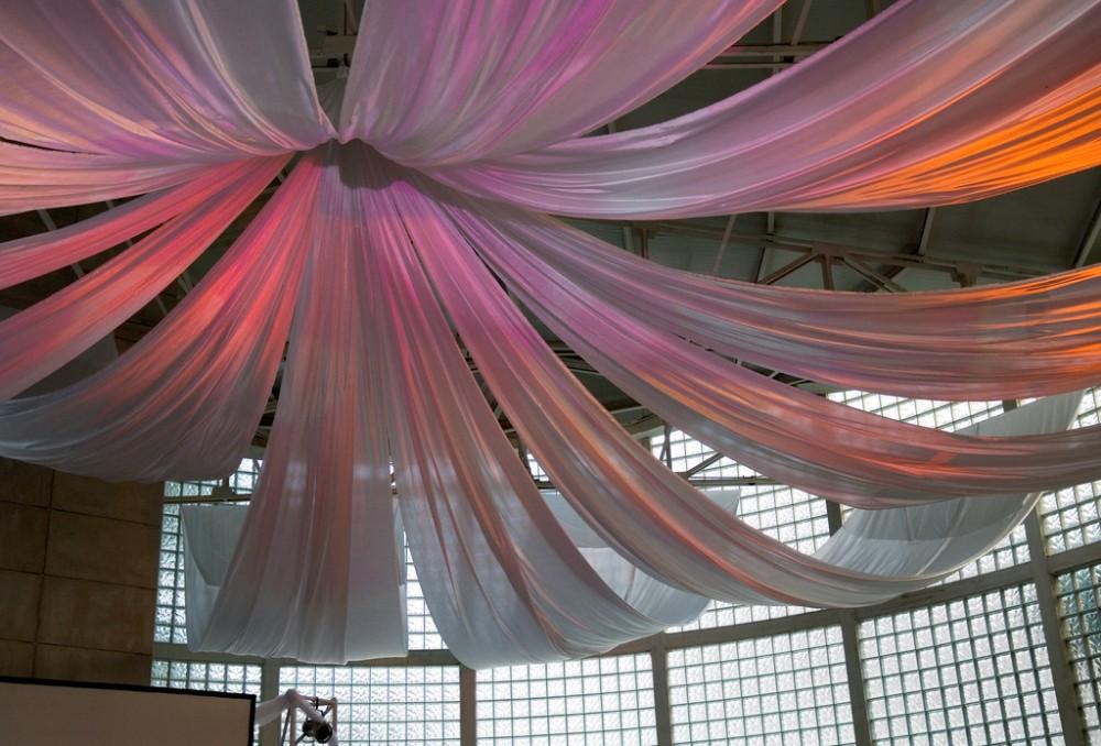 decoration-plofond-tenture-mariage